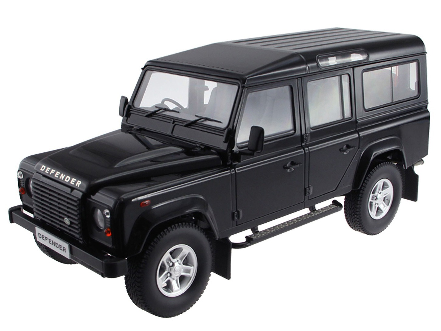Land Rover Defender – Black