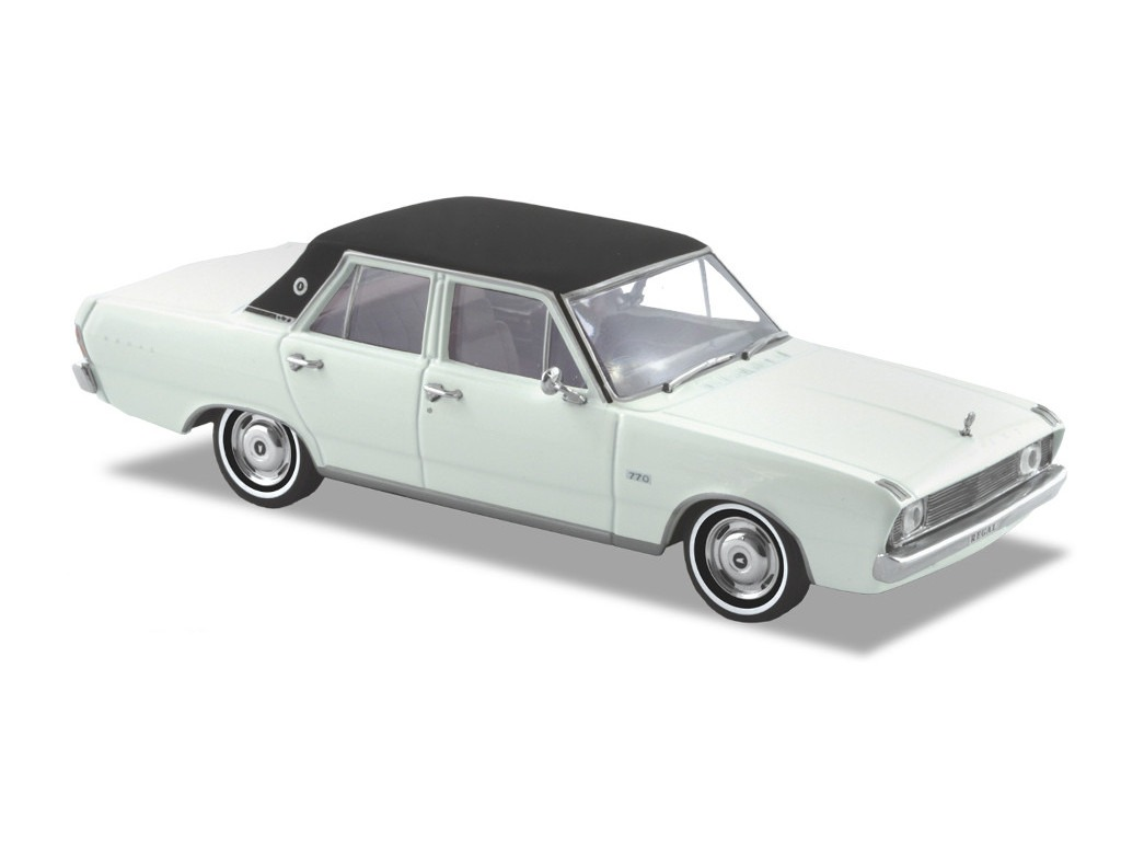 1970 VG Valiant Regal 770 – Alpine White With Vinyl Roof