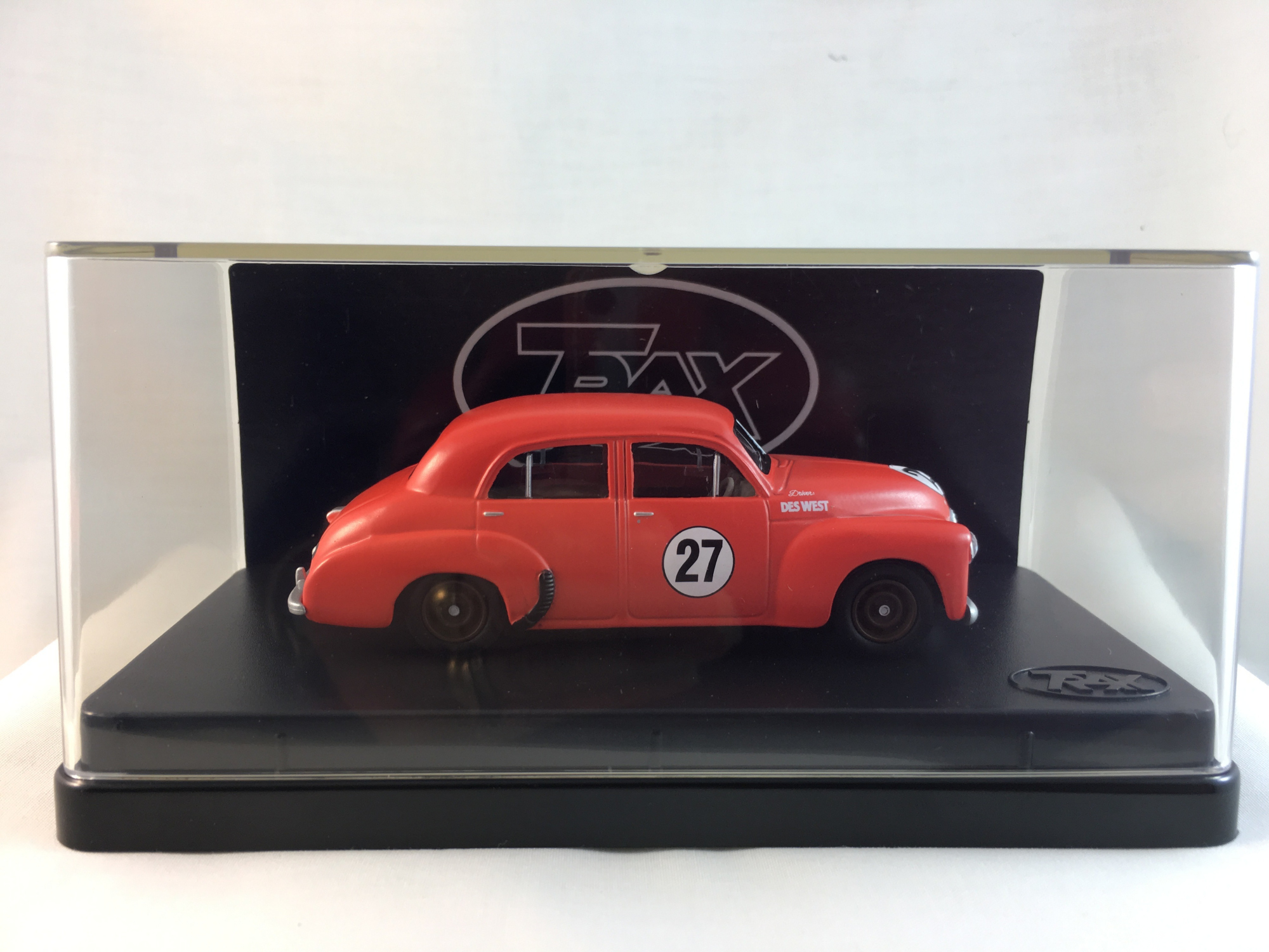 1948 48/215 Sedan – Des West Racing