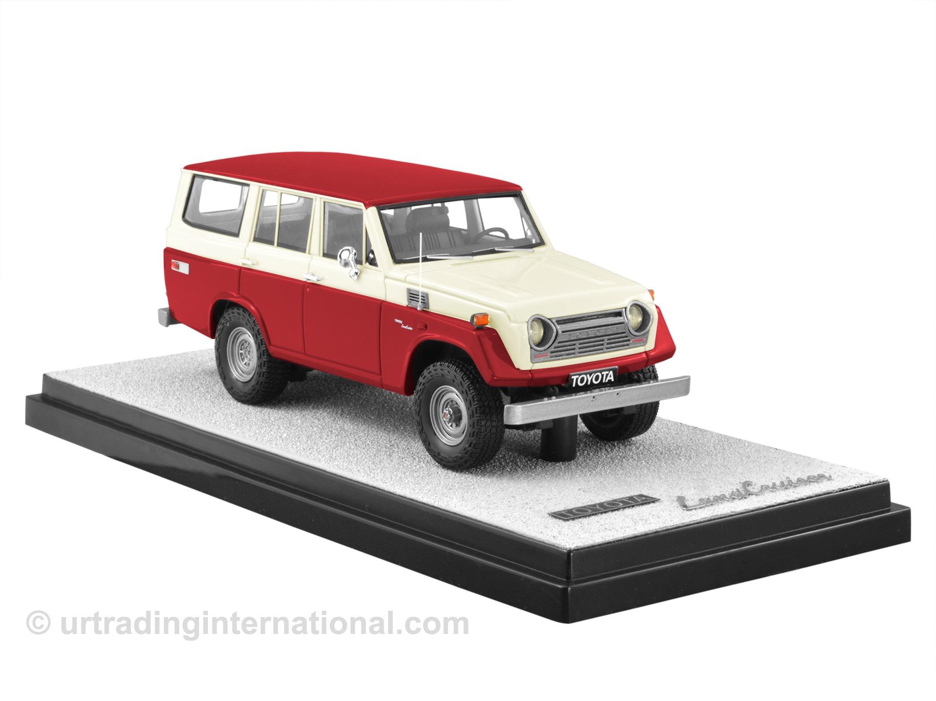 1974 Toyota Land Cruiser FJ55 – Red/Cream LHD
