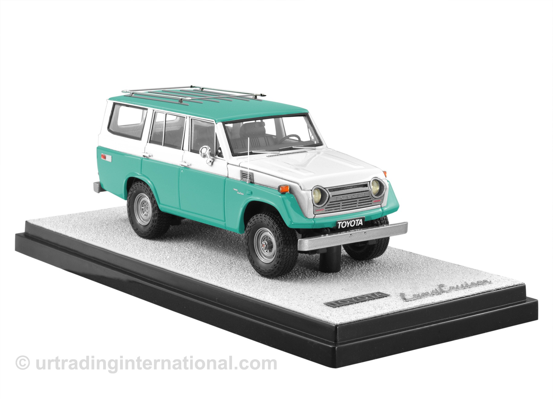 1974 Toyota Land Cruiser FJ55 – Green/White LHD